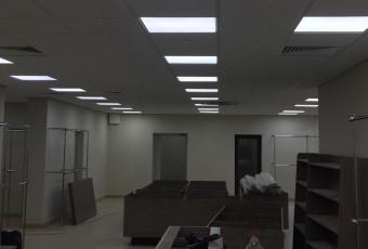 Освітлення торгівельно-офісного центру